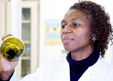 2008 Malawian AWARD Fellow, Victoria Ndolo